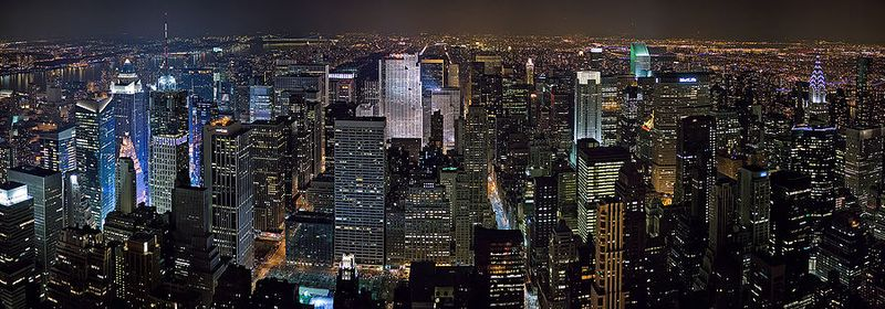 900px-New_York_Midtown_Skyline_at_night_-_Jan_2006_edit1